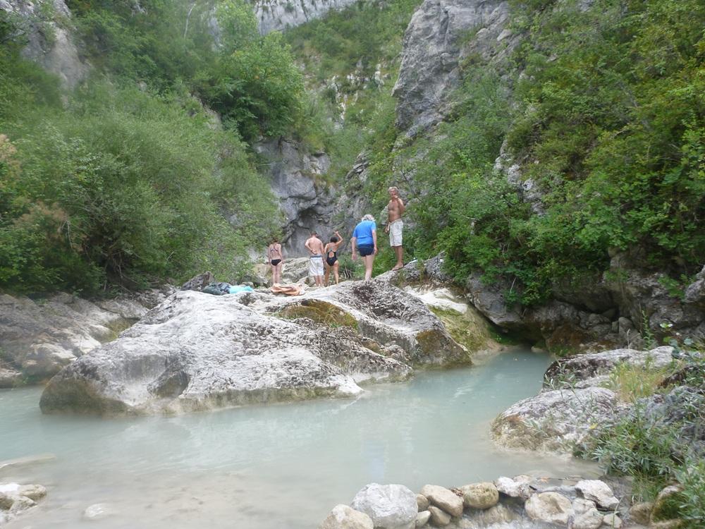 Les bassins du Charuis où l'on peut faire trempette dans de l'eau à 18°